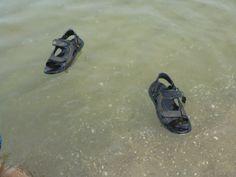 Sandalen schwimmen