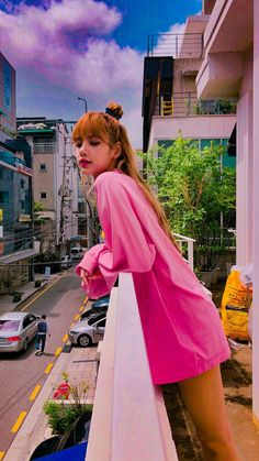 and another one cause I can never have too much pink Lisa👍 Kpop Girl Groups, Korean Girl Groups, Kpop Girls, Jennie Blackpink, Blackpink Lisa, Lisa Blackpink Wallpaper, Black Pink Kpop, Ft Tumblr, Blackpink Photos