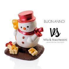 Buon anno! Auguri da V&S Laboratorio del cioccolato dei Maitres Chocolatieres di Faenza. www.villaestacchezzini.it
