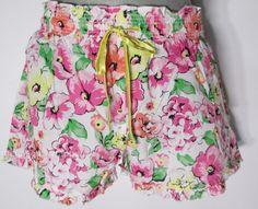 New Jenni Shorts White Floral Shorts Medium Jennifer Moore Sleep or Lounge #JennibyJenniferMoore #LoungePantsSleepShorts