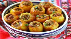 Potatoes stuffed with minced meat, a delicacy of Russian origin, … - Recipes Easy & Healthy Ukrainian Recipes, Russian Recipes, I Love Food, Good Food, Med Diet, Cuisine Diverse, Cooking Recipes, Healthy Recipes, Delicious Recipes