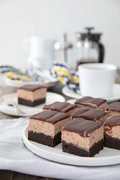 Neljän kerroksen suklaakakku - Leivontablogi Makeaa Sweet Desserts, Vegan Desserts, Sweet Recipes, Baking Recipes, Cake Recipes, Dessert Recipes, Cake Bars, Breakfast Dessert, Let Them Eat Cake