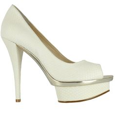 Beautiful @enzoangiolini white peep toe pumps for the special day !