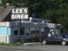Lee's Diner, U.S.30, York, PA by esywlkr, via Flickr