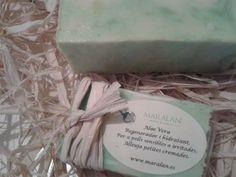 Jabón artesano y natural 100% Aloe Vera Regenerador e hidratante. Para pieles sensibles o irritadas, alivia quemaduras leves. www.maralan.es