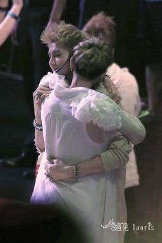 Taoris Hug. Their bromance...seriously :)