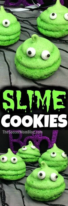 Spooky Slime Cookies (with VIDEO) A slime recipe you're supposed to eat! These bright green monster slime cookies are a spooky Halloween party snack or anytime treat for slime fans. Halloween Desserts, Recetas Halloween, Halloween Party Snacks, Fete Halloween, Halloween Goodies, Snacks Für Party, Holidays Halloween, Spooky Halloween, Spooky Spooky