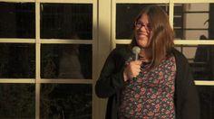 Marieke Verhoeckx was één van de sprekers op het InspiratiePodium van het Inspiratiehuis Arnhem op 15 november 2012. Zij vertelt over de achterkant van haar CV, gevolgd door een muziekimprovisatie van Vincent van Baarsel. We zijn te gast in de ateliers van het Reizend Vormgevers Gezelschap -by Flinq Creative Video