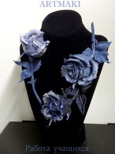 Cloth Flowers, Fabric Flowers, Diy Jewelry, Jewelry Making, Denim Crafts, Handmade Flowers, Jeans Style, Sewing Crafts, Decoupage