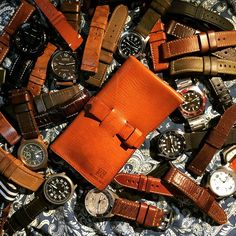 Watch roll prototype 1 #atelierjilo #everydaycarry #watchtravelcase #EDC #watchroll #custommade #leathercraft #steinhart #pam #panerai351 #watchstrap #leather #observerwatch #stowaprodiver #stowa #tudorblackbay #seikoskx007 #suuntocore #watchroll by atelier_jilo