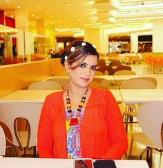 #mall #emirates #uae #orange #zara #stylish #luxurybrand #dubaistyle #dubai #dubaiphotographer #canon #dubaimodel #dubaibloggers #dubaifashion #dubailife #dubaigirl #food #vegan #visitdubai #traveljunkie #adventurer #mountainview #flowers #travelblogger #beautiful #shopping #traveller #worldcaptures #bloggerstyle #switzerland by mariyahsaulat