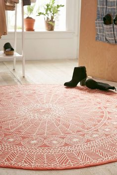 5' dia Florisse Printed Round Rug - Urban Outfitters ... Maybe draped over a sofa?