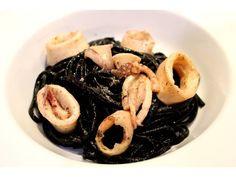 Linguine al nero di sepia with squids