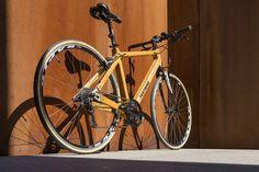Bicicleta cu cadru de lemn produsă în România - Foto: Andrei Creangă igloo.ro Vehicles, Car, Vehicle, Tools