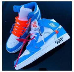 Dr Shoes, Swag Shoes, Cute Nike Shoes, Cute Sneakers, Nike Air Shoes, Hype Shoes, Jordans Sneakers, Jordan Shoes Girls, Air Jordan Shoes