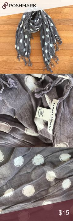 Banana republic wide long cotton scarf used Banana republic wide long cotton scarf used good condition, couple small pulls but no holes or other damage, all season use versatile scarf, approx 42x69, grey with white Polka dots Banana Republic Accessories Scarves & Wraps