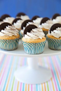 Cookies and Cream Cupcakes   Annie's Eats