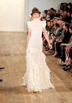 ralph lauren wedding dress- hat instead of veil....heck yeah
