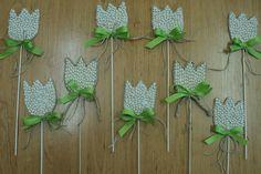 Tulipány z bílých fazolek Mermaid Crafts, Montessori, Easter, Plants, Easter Activities, Plant, Planets