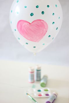 Paint a Balloon Station #DIY