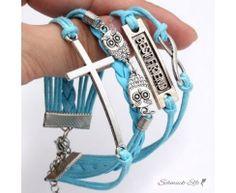 Armband Euly mit Kreuz hellblau / türkis   im Organza Beutel