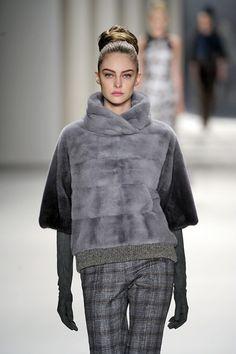 Trend fw 14/15: fur sweatshirt (Carolina Herrera)