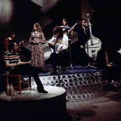 Fairport Convention perform 'Si Tu Dois Partir' on Top of the Pops, August 70s Music, Folk Music, Fairport Convention, Richard Thompson, Psychedelic Bands, Best Guitar Players, Buddy Holly, Progressive Rock, Mamas And Papas