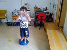 Terapia Ocupacional: Brincadeiras proprioceptivas agrupadas em 10 ítens