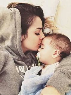 mom and baby Mama Baby, Mom And Baby, Baby Boy, Good Luck Quotes, Brother And Sister Relationship, Baby Tumblr, Baby Bumps, Mother And Child, Girls In Love