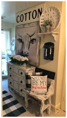 37 Gorgeous Living Room Shelves Decorations Ideas To Try Asap If you need living room décor there are dozens of items that will work perfectly for your living room. Whether … - Awesome 37 Gorgeous Living Room Shelves Decorations Ideas To Try Asap. Living Room Shelves, Living Room Decor, Cheap Home Decor, Diy Home Decor, Country Farmhouse Decor, Modern Farmhouse, Country Chic Decor, Antique Farmhouse, Rustic Decor