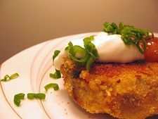 Curried Potato Chick Pea Patties: Spicy! Serve with mango chutney and yogurt. A great lunch box food!