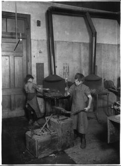 The forge class, Children's Aid School, New York City. 1911.  What happened to Americans, I know child labor and all that. But teaching a trade without abusing the work of Children should be legal.