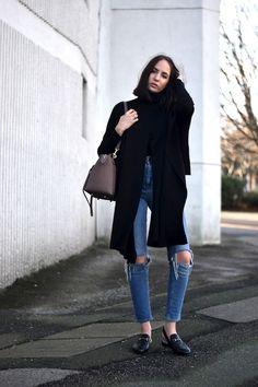 Fem måter å style sesongens hotteste Hullete jeans - mote-antrekk. Ripped Knee Jeans, Ripped Knees, Daily Fashion, Girl Fashion, Fashion Outfits, Uk Fashion, Denim Outfits, Street Fashion, Outfits