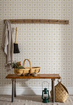 The wallpaper Börsjö - from Duro is a wallpaper with the dimensions . The wallpaper Börsjö - belongs to the popular wallpaper collection Gammalsven Classic Wallpaper, Old Wallpaper, Swedish Cottage, Swedish House, Scandinavian Wallpaper, Scandinavian Interior, Comedor Office, Wallpaper Stores, Interior Wallpaper