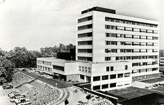 Van Heuven Goedhartlaan - Kanaleneiland 1970: Algemeen Ziekenhuis Oudenrijn. Sinds 2009 St. Antonius Ziekenhuis - apendix 1975