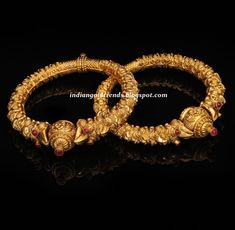 Latest Indian Gold and Diamond Jewellery Designs: Antique Bangles or . Antic Jewellery, Gold Temple Jewellery, Silver Jewelry, Coral Jewelry, Silver Earrings, Gold Bangles Design, Gold Jewellery Design, Diamond Jewellery, Bridal Bangles