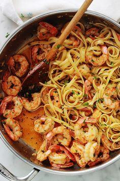 Shrimp pasta with garlic and parsley, quick recipe - Pasta Rezepte - Garnelen Quick Recipes, Quick Meals, Healthy Dinner Recipes, Breakfast Recipes, Shrimp Recipes, Pasta Recipes, Cooking Recipes, Garlic Pasta, Garlic Shrimp