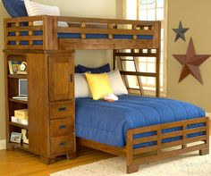 Bunk beds are a great option for small bedrooms as it saves on floor space. design can be modified easily for twin over queen bunk beds as well. A quirky L-shape could give a quirky dimension to your bedroom décor. Queen Bunk Beds, Loft Bunk Beds, Bunk Beds With Storage, Modern Bunk Beds, Full Bunk Beds, Bunk Beds With Stairs, Kids Bunk Beds, L Shaped Bunk Beds, Cool Teen Rooms