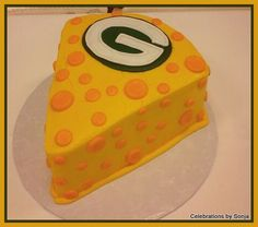 Green Bay Packers Grooms Cake for your lovable Cheesehead.