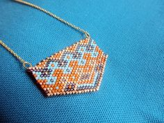 Grille tissage miyuki ethnique - L'Atelier des Gourdes Brick Stitch, Friendship Bracelets, Cufflinks, Pendants, Beads, Accessories, Jewelry, Pocahontas, Images