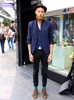 Very hipster man Estilo Hipster, Hipster Man, Estilo Retro, Billy Huxley, Dapper Suits, Moda Chic, Best Mens Fashion, Fashion Menswear, Awesome Beards