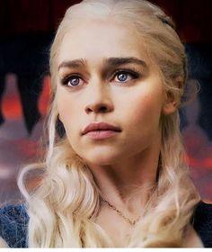 467 vind-ik-leuks, 2 reacties - Daenerys Targaryen (@daenerysstormbxrn) op Instagram: 'Good morning :-)'