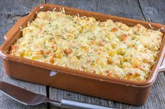 A vegetarian celery root and rosemary casserole. It's filling and creamy, with a crunchy cheese layer for even more perfection! Main Course Dishes, Best Dishes, Recipe Images, Budget Meals, Cheeseburger Chowder, Celery, Free Food, Casserole, Macaroni And Cheese