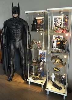 Show Your Entire Batman Collection! - Page 578 Batman Room, Im Batman, Batman Stuff, Nerd Cave, Man Cave, Comic Room, Batman Costumes, Dc Comics Action Figures, Toy Display