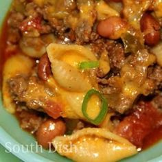 Skillet Chili Mac - a quick skillet meal of ground beef, tomatoes, chili seasonings, beans, cheese and medium shell pasta. I didn't realize until this morning that clicking the picture wasn't taking me to the appropriate link, so I fixed it. Not only did I need the recipe, I did not want the original blogger to NOT get credit.