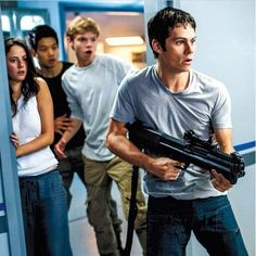 Omg loved this new The Maze Runner still. Look Newt there looking so good