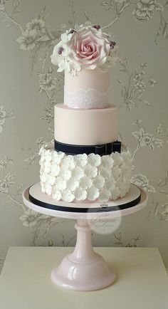 Roses & ruffles wedding cake