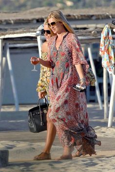 Kate Moss Photos - Kate Moss in Saint Tropez with Friends - Zimbio
