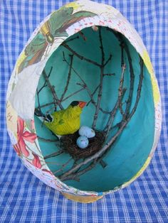 Love this papier-mâché egg with little nesting bird diorama inside! (Not sure whether to call it papier-mâché or paper mache. Bird Crafts, Easter Crafts, Fun Crafts, Arts And Crafts, Projects For Kids, Art Projects, Paper Mache Projects, Paper Mache Crafts For Kids, Paper Artwork