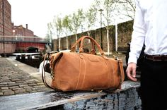 Kurtis Paul - Beautifully crafted, high quality mens leather bags.   Duffle bag, Backpack, Tote bag, Holdall, Gym bag, Weekend bag, Overnight bag, Briefcase, Office bag